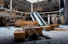 Aux Etats-Unis, les centres commerciaux déserts ne sont pas une légende. Certains analystes estiment même qu'un tiers des centres ouverts actuellement pourraient fermer leurs portes d'ici les prochaines années.