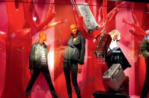 visual merchandising-mannequins